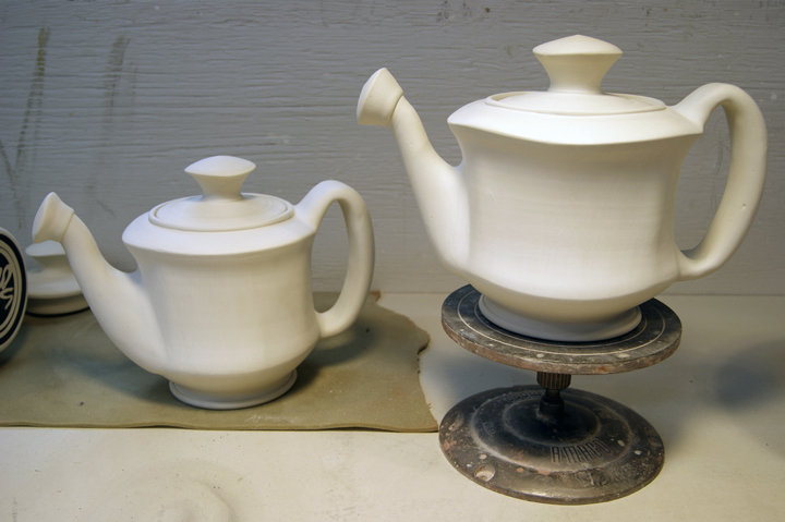 Teapots before Deco application